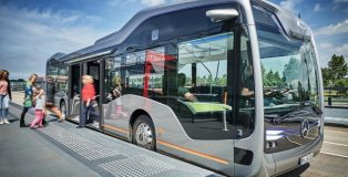 Mercedes-Benz_Future_Bus_0003-889x574