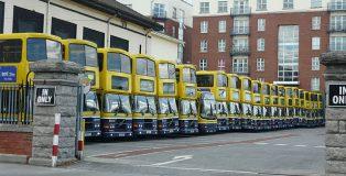 640px-Dublin_Bus_lineup,_Ringsend_Depot,_16_May_2010